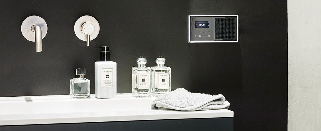 JUNG Smart Radio DAB+ Badezimmer