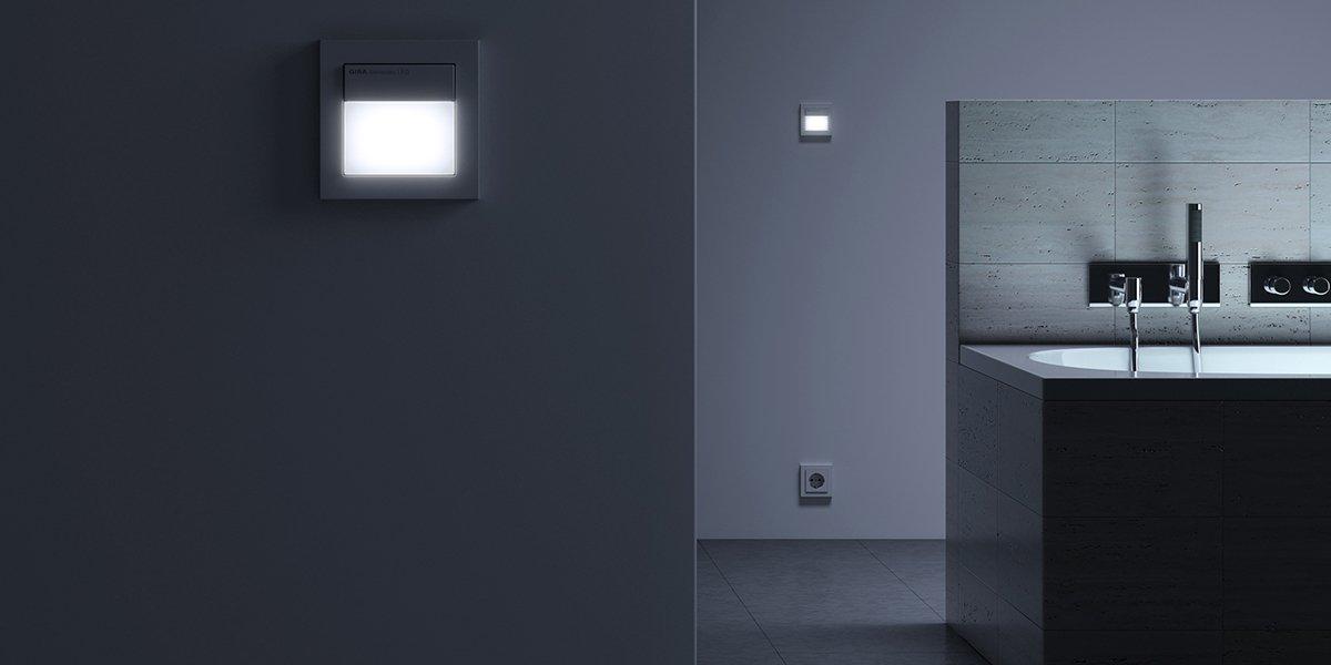 automatische Sensoren für die Lichtsteuerung um Stolperfallen aufzudecken
