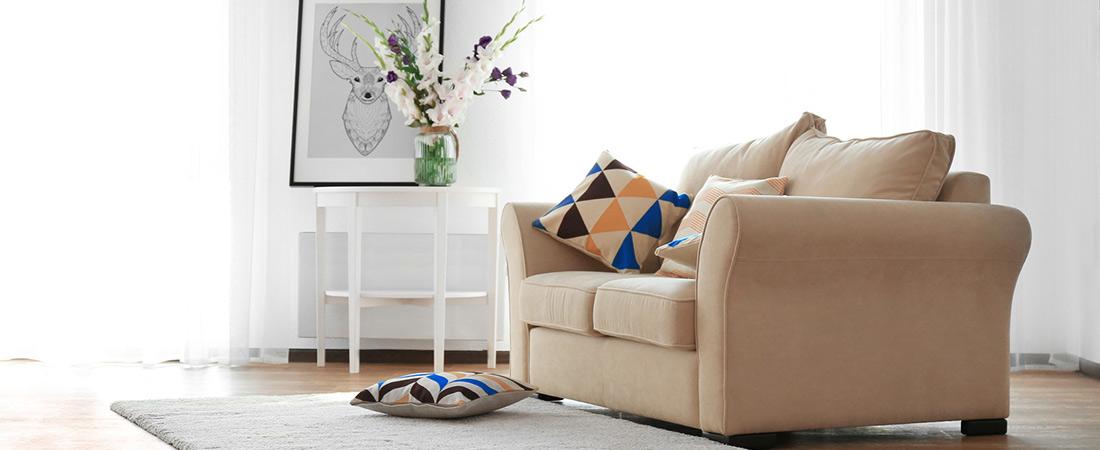 Vorhänge und Teppich für ein warmes Zuhause