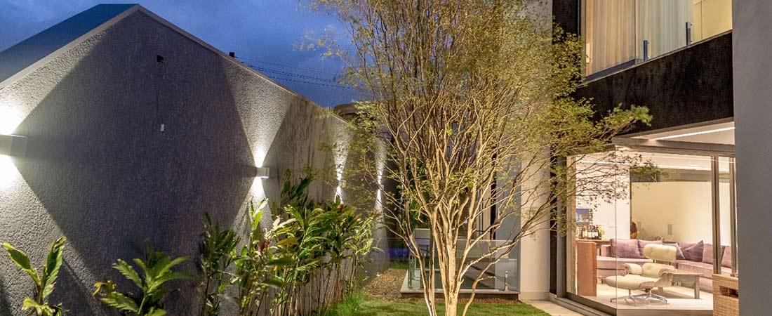 intelligente Beleuchtung im Innen- und Außenbereich