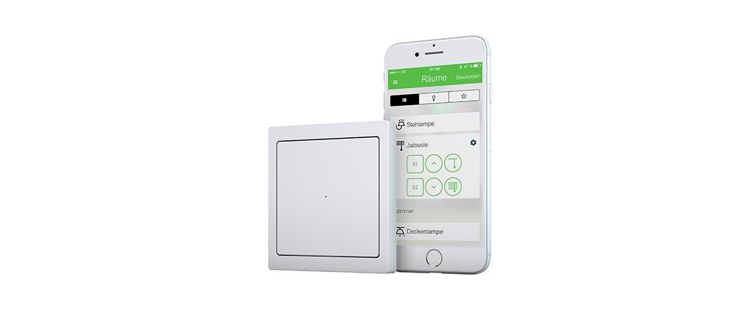 Wiser Taster-Modul und die passende App für die Steuerung von Licht und Jalousien im Smart Home